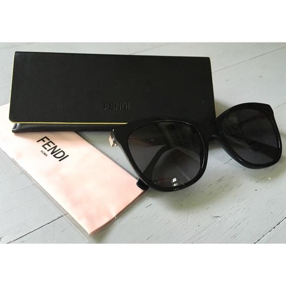 9cdf582e3d4 Auth FENDI Cat Eye Sunglasses